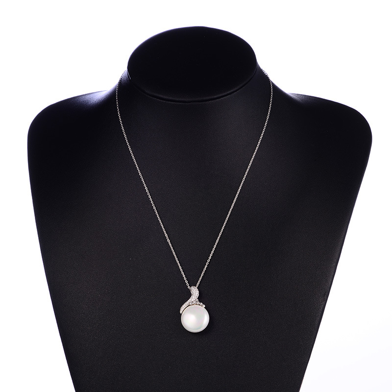 fashion-pearl-necklace-01